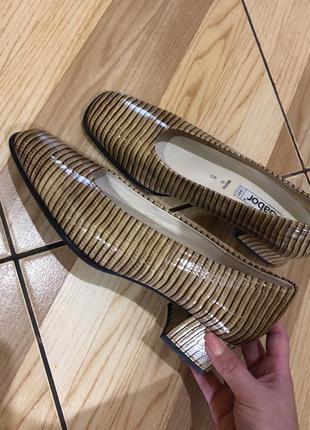 Кожаные/лаковые туфли gabor