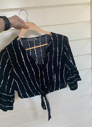 Блузка укорочена