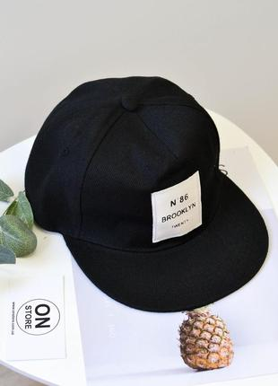 Модная кепка реперка черного цвета