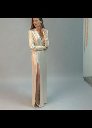 Шикарное платье в пол с золотым напылением
