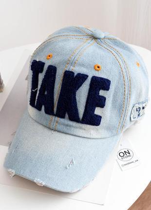 Модная джинсовая кепка take c синими буквами