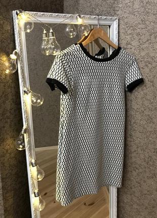 Платье черно-белое dilvin