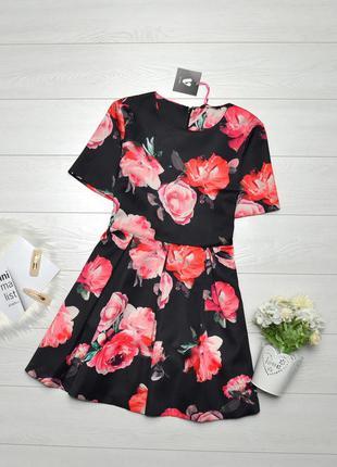 Красиве плотне плаття в квіти by very.