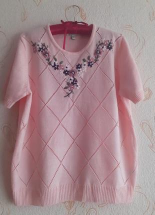 Очень красивая кофточка футболка свитерок с коротким рукавом и ручной вышивкой