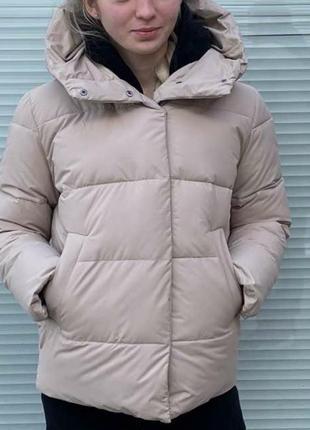 Дэми куртка, комфортная и стильная модель,с капюшоном.