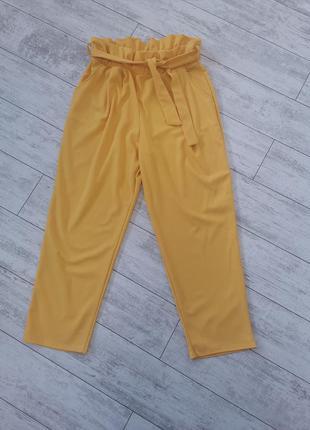 Желтые брюки, штаны с высокой посадкой, карманами и поясом