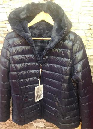 Плюшевая,теплющая курткс на меховой подкладке, италия,шикарное качество и модель,размер 50.