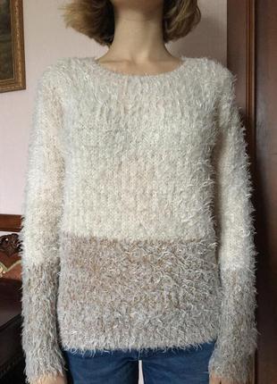 Мягкий и теплый свитер1