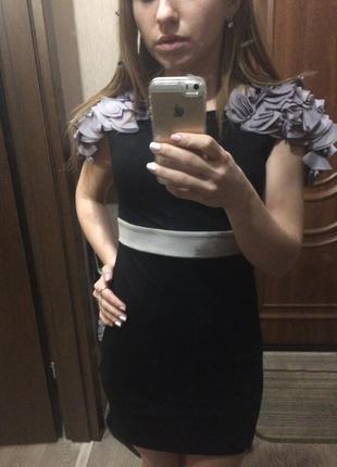 Оригинальное чёрное короткое платье с открытой спиной atm