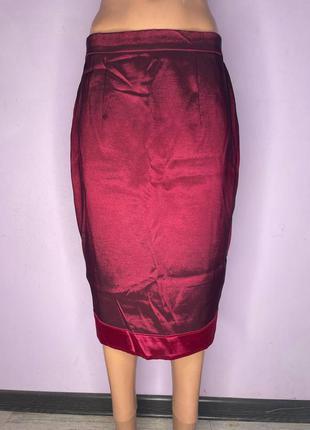Очень красивая бордовая юбка