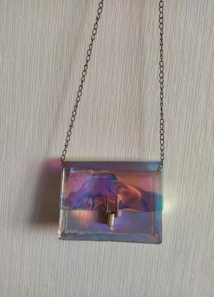 Красивая блестящая сумка клатч