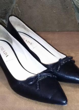 Скидка в честь чорної п'ятниці... оригінальні туфлі prada