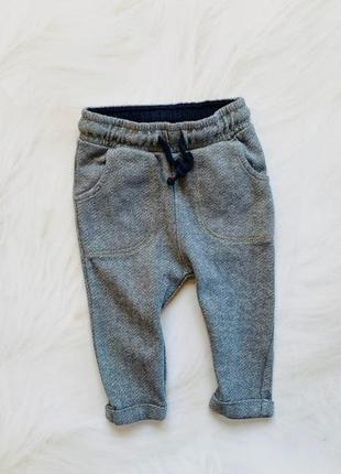 M&s   стильные  теплые  штаны  на мальчика  6-9 мес