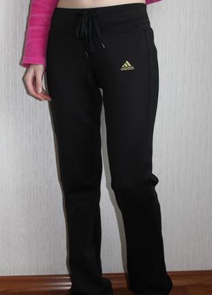 Спортивные штаны чёрные adidas