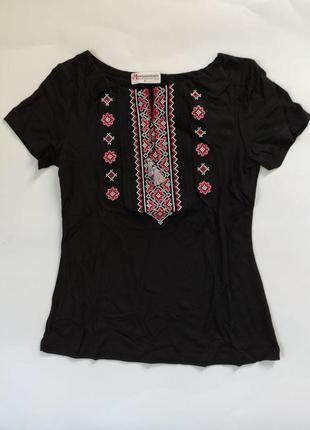 Женская футболка с национальным орнаментом черная, размер s