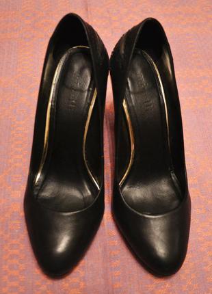 Фантастические кожаные туфли minelli
