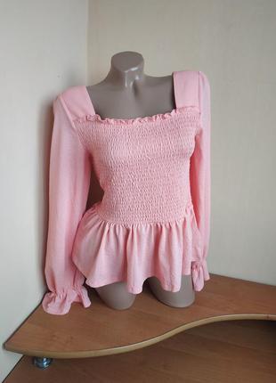 Блуза с воланами и пышными рукавами на резинке блузка