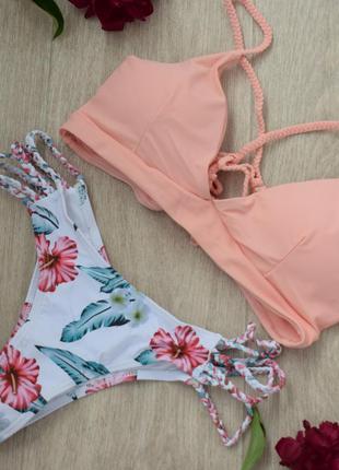 Купальник розовый со шнуровкой на спине