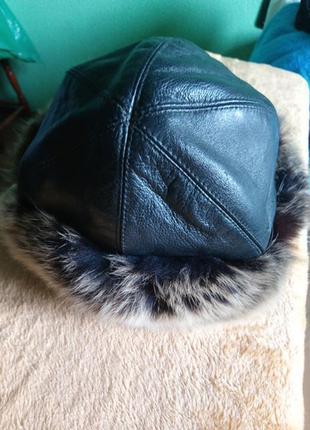 Кожаная с мехом шапка