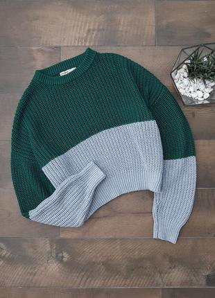 Вязаный свитер зеленый серый