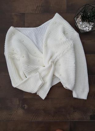 Очень красивый вязаный свитер с бусинами жемчуга