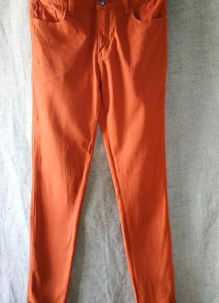 Ярко- оранжевые брюки, штаны. vila.