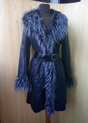Чёрная искусственная дублёнка/ пальто с поясом демисезон