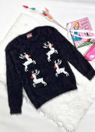 Пушистый новогодний свитер, размер s, состояние идеальное
