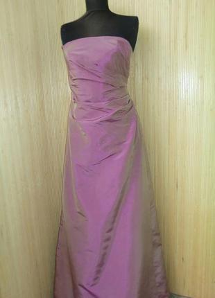 Шикарное пудровое  шелковое вечернее платье с корсажем