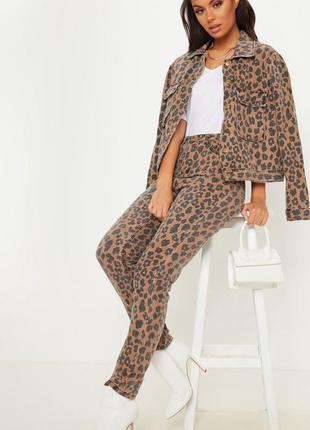 Срочная распродажа! джинсы мом с леопардовым принтом