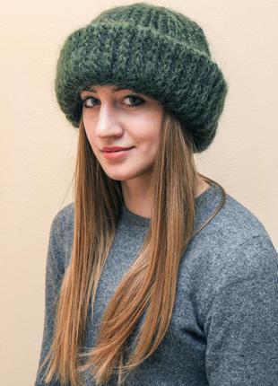 Мохеровая шапочка пушистая шапка бини зеленая пушистая вязаная женская шапочка