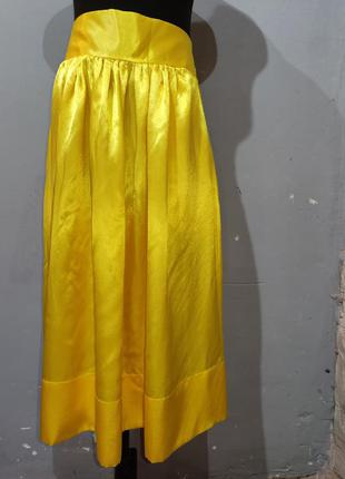 Красивая атласная юбка миди