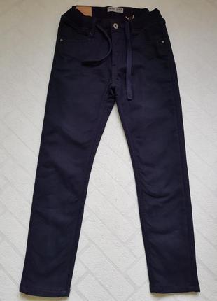 Утепленные школьные брюки на еврорезинке taurus р.122,134 темно-синий.качество супер.синий