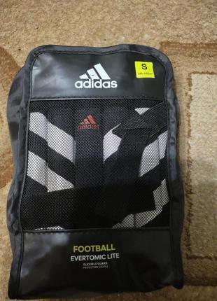 Захисні щитки для футболу