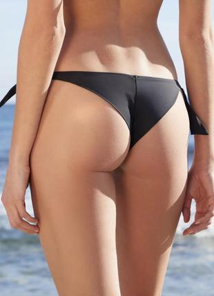 Женские плавки бразильяны купальные на боковых завязках в черном цвете  / плавки бразилиана чёрные