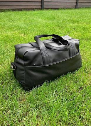 Спортивная сумка кожзам чёрная