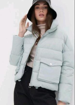 Куртка-пуховик з коміром-стійкою