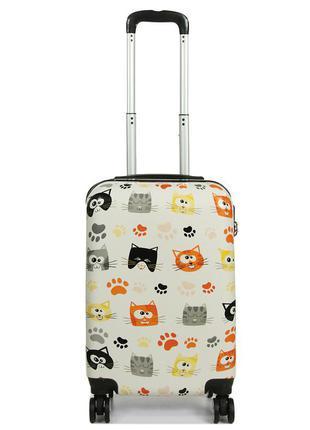 Качественный дорожный чемодан madisson 86820m