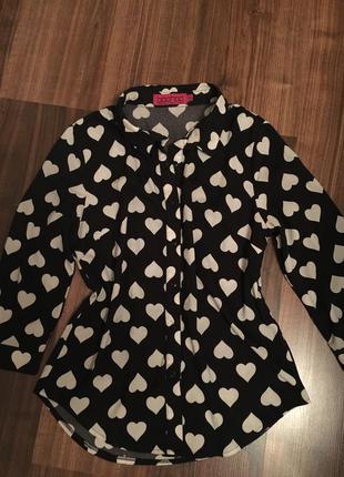 Блуза в сердечки