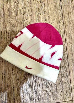 Крутая шапка nike