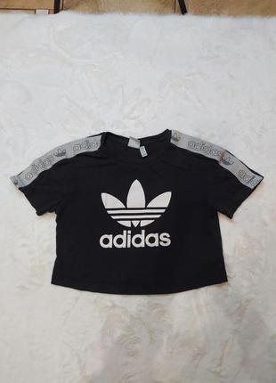 Футболка adidas, топ adidas, укороченная футболка adidas