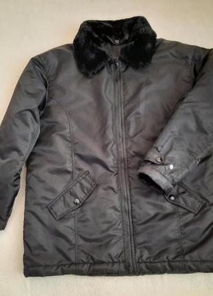 Стильна демісезонна куртка дорогого французького бренду feu vert, розмір l