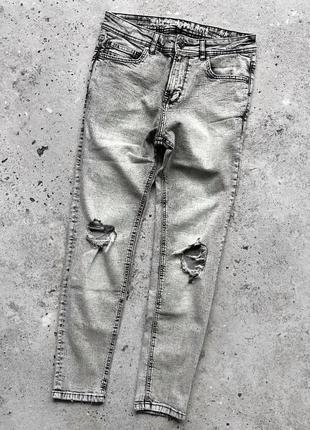 Black squad fsbn завужені джинси