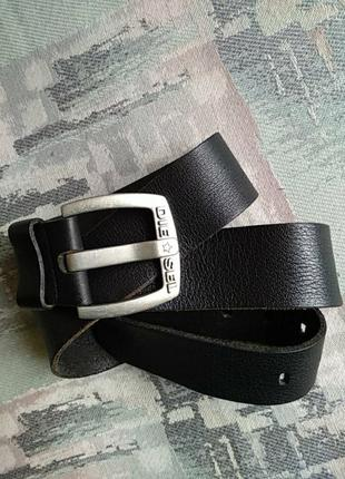 Оригинальный натуральный кожаный мужской ремень бренда diesel.оригинал100%.