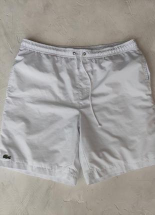 Стильні чоловічі шорти lacoste білого кольору розмір 4 m