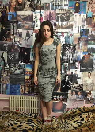 Серое платье-футляр cropp
