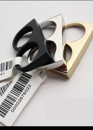 Распродажа лаконичное серебристое кольцо кастет на два пальца