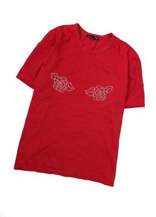150 грн футболка zara розмір м  пог 50 см довжина 60 по стану новенька