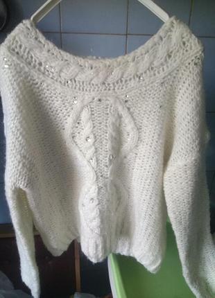 👍белый объёмный  айвори свитер из смешанного. мохера с камнями и косами