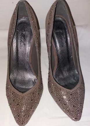 Туфли-лодочки 37 размер (24 см по стельке)